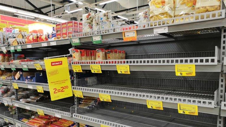 Мешканці Естонії у паніці спустошують крамниці через коронавірус