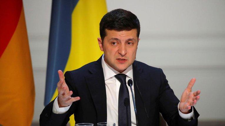 Тисячі українців вимагають від Зеленського відкликати підписи під мінським документом