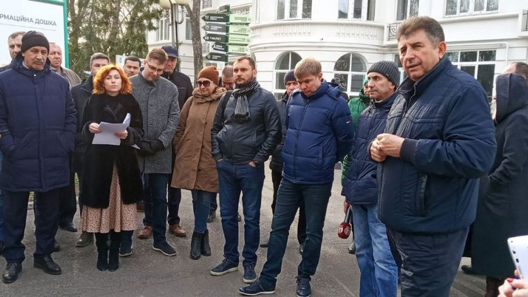 Удовіченко й Лоза попросили в бізнесу грошей на медицину, маючи мільйонні бюджети