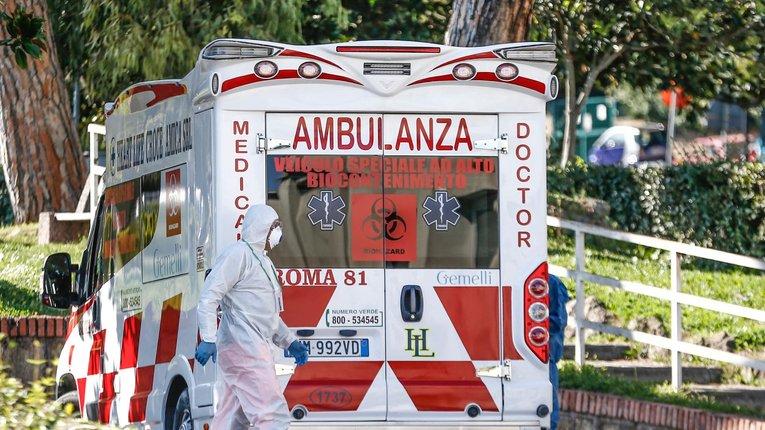 Італійська медицина потребує негайного і якісного оновлення — прем'єр-міністр Джузеппе Конте