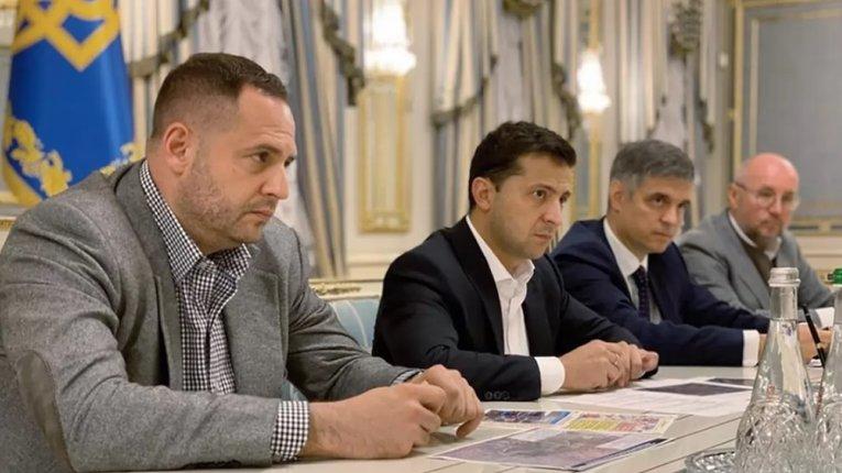 Зеленський дозволив усунути себе від управління зовнішньою політикою – В'ятрович