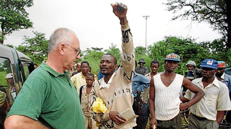 Влада Зімбабве пропонує землю як компенсацію для білих фермерів