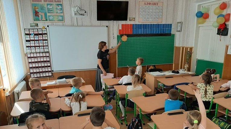 Навчання в школах України триватиме до 1 липня