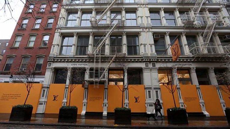 Крамниці брендового одягу бояться мародерства, причина — карантин у Нью-Йорку