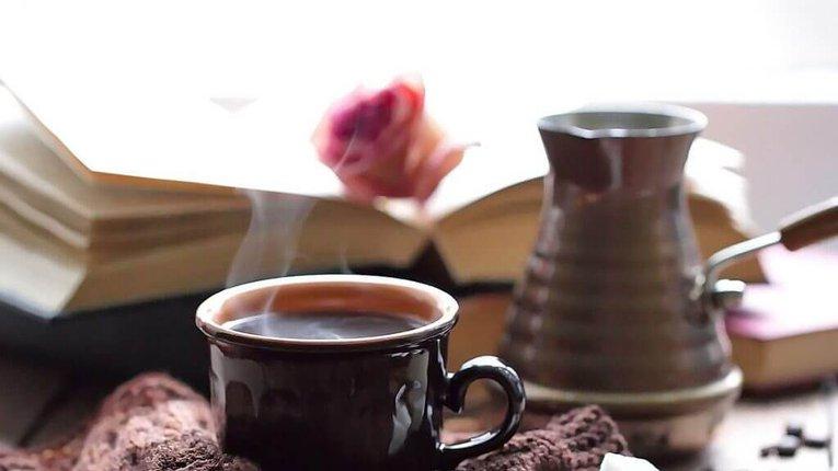 Кава бадьорить і омолоджує