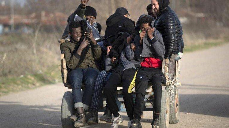 Мігранти продовжують атакувати грецький кордон і розраховують на Меркель