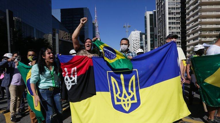 Українці не давали права бразильським політикам паплюжити свої національні символи