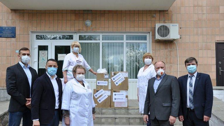 Лікарі Новосанжарського району отримали благодійну допомогу