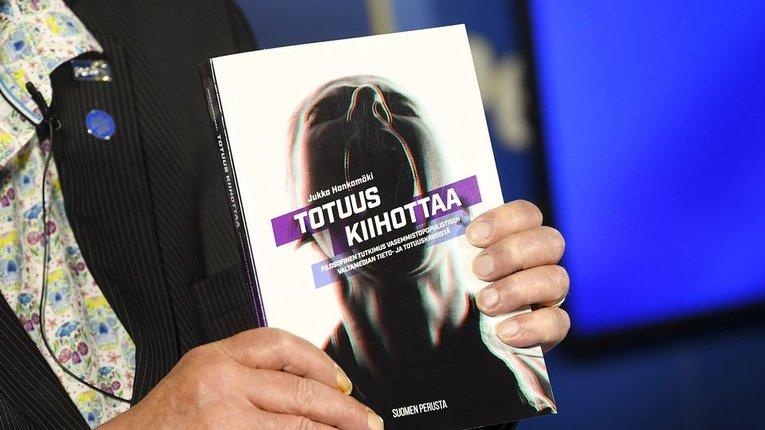Уряд Фінляндії заборонить націоналістам говорити правду про... «ґендерну рівність»!