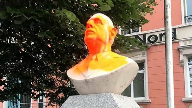 Визволителя Франції Шарля де Ґолля записали у лави расистів