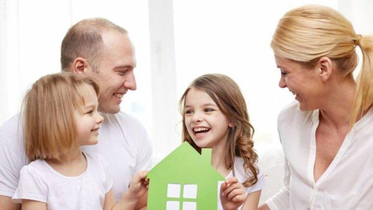 Законопроєкт про рівні можливості батьків і матерів: аналіз