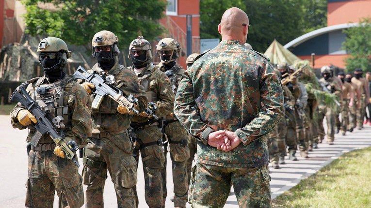 Уряд Німеччини розформує елітний загін через спецпризначенців-неонацистів