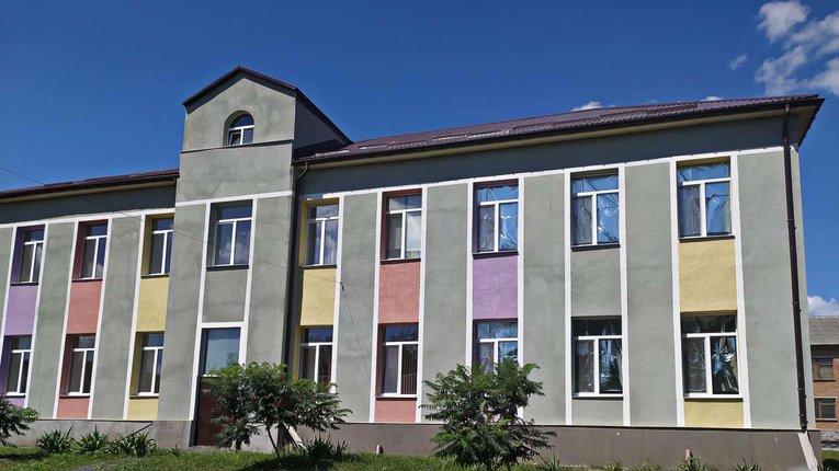 Одну з опорних шкіл Карлівського району готують до відкриття у новому навчальному році