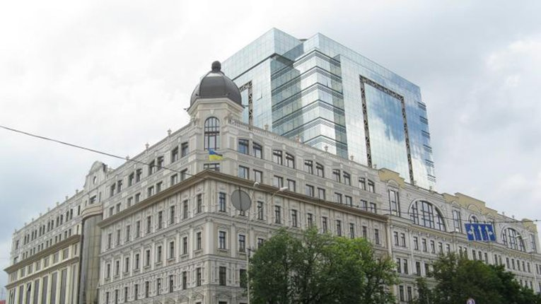 У Києві евакуюють бізнес-центр через можливість теракту