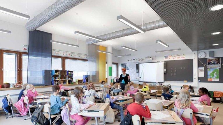 Лівий уряд Фінляндії докерувався до закриття шкіл і звільнення вчителів