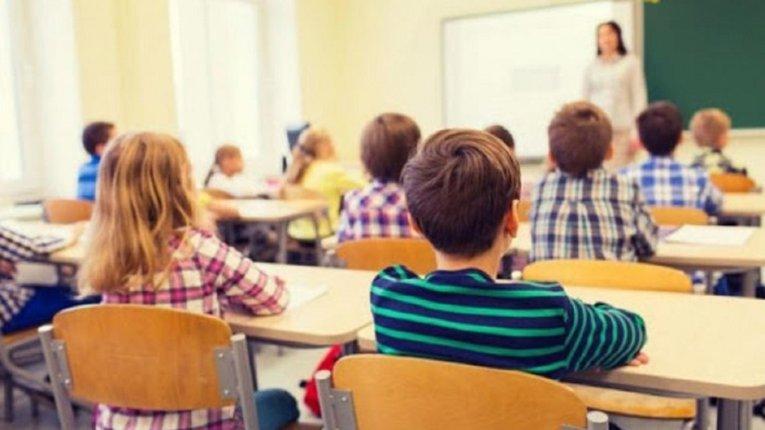 Школи повинні забезпечити дотримання соціальної дистанції  і правил гігієни.