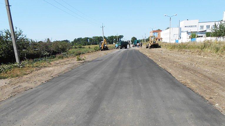 Комунальні служби Карлівки взялися за ремонт міських доріг