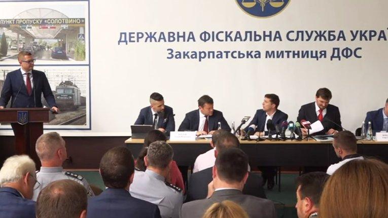Рік «плідної праці» лейтенанта Баканова: тютюнова контрабанда зміцнила свої позиції