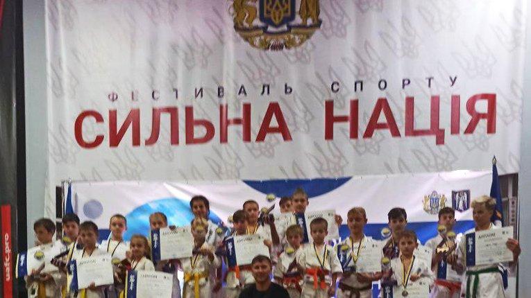 Юні каратисти Полтавщини продемонстрували свою майстерність на чемпіонаті в Києві