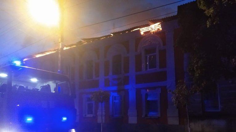 У Харкові загорівся багатоквартирний будинок, загинула одна людина