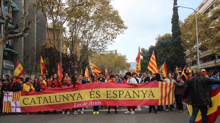Уряд Іспанії закликали захистити іспаномовних громадян