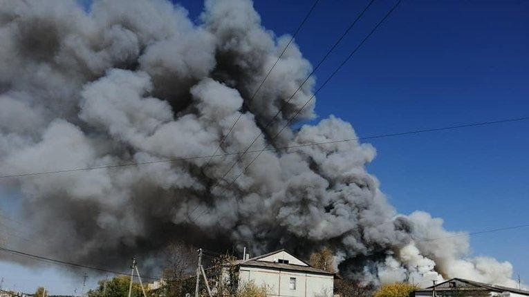 Луганщина у вогні:  вогонь підібрався до електростанцій; розриваються снаряди