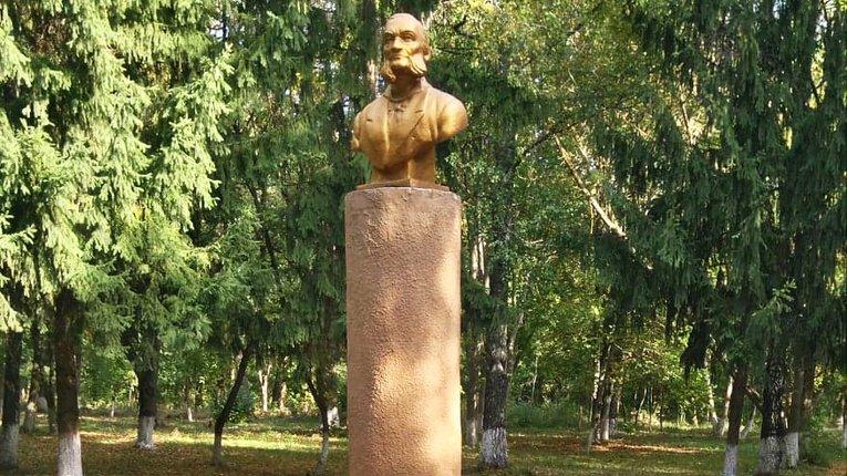 У Семенівському районі оновили парк імені байкаря Глібова