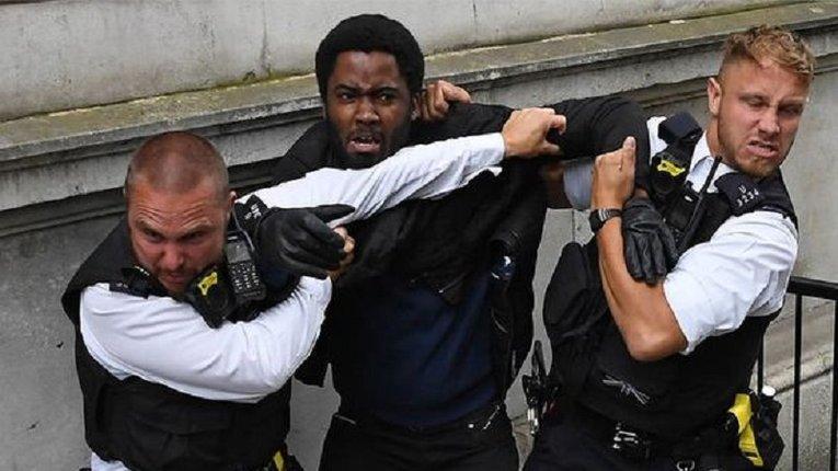 Британська поліція фіксує зростання криміналу на ґрунті расової ненависті
