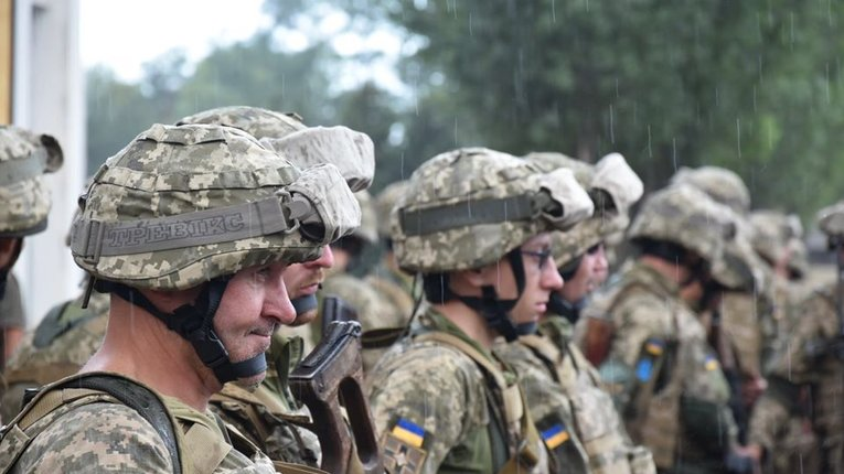 Майже 60% українців готові боронити Україну зі зброєю в руках – соціологія