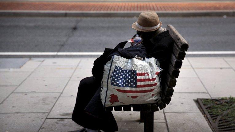Мільйони американців збідніли через пандемію коронавірусу