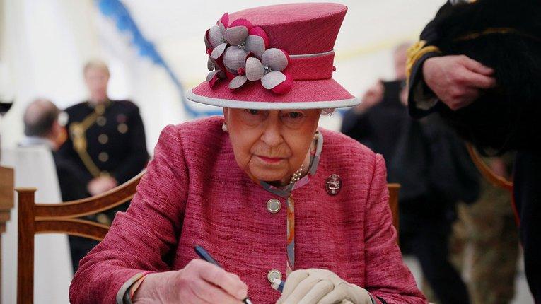 Королева Великої Британії Єлизавета II