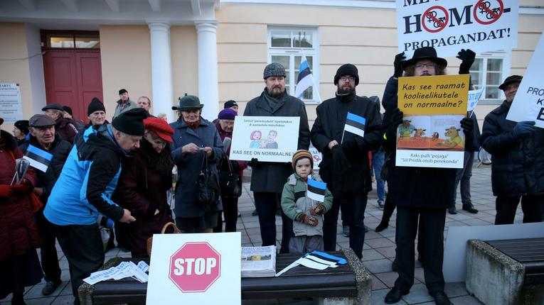 В Естонії активізувалися місцеві соросята