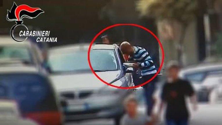 На Сицилії провели масштабну операцію проти мафії, десятки затриманих
