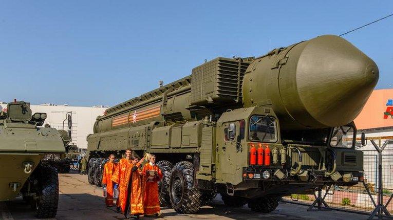 """Це Росія: московські попи продовжують освячувати ракети """"Сатана"""""""