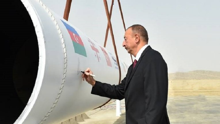 Азербайджан позбавив «Газпром» монополії на постачу блакитного палива до Європи