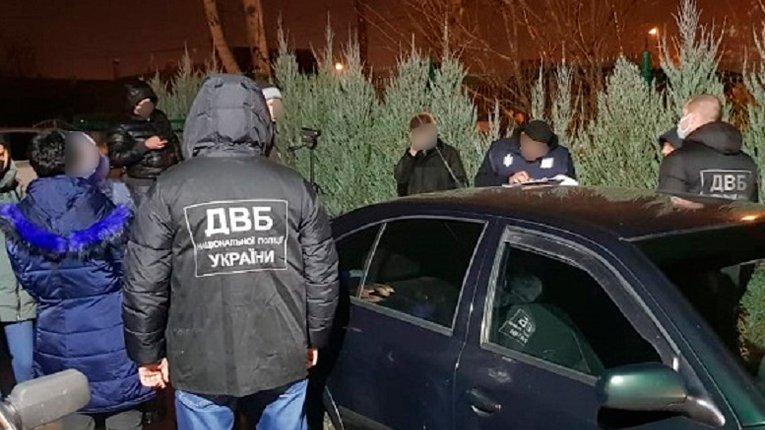 Ментовські війни: на хабарі затримали начальника управління поліції Миколаївщини