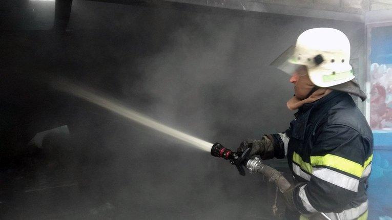 Службовці ДСНС Дніпропетровщини врятували людей під час ліквідації пожежі