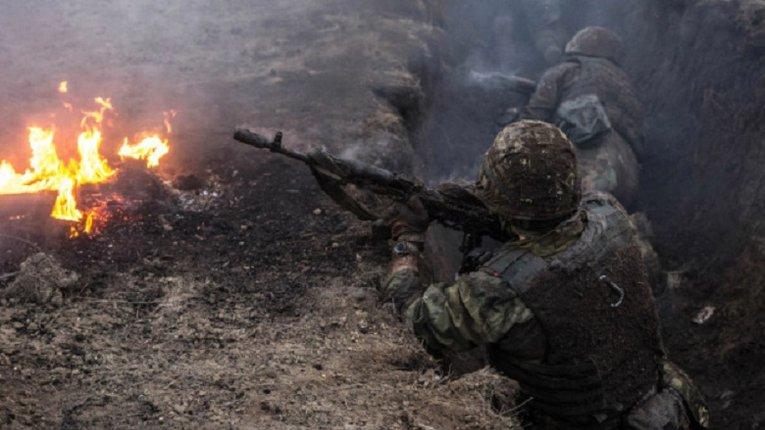 Донбас: Бойовики продовжують гатити з мінометів, гранатометів та стрілецької зброї