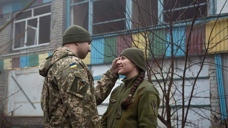 Історія кохання на війні. Морські піхотинціРуслан та Олена