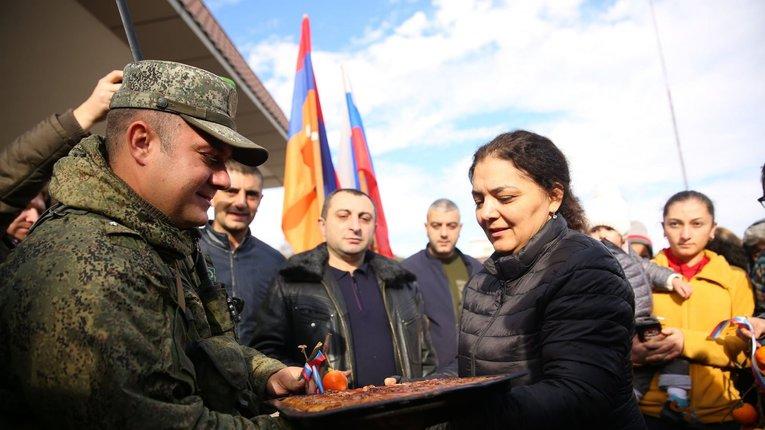 Російська — друга державна: вірменські окупанти вирішили догодити Кремлю