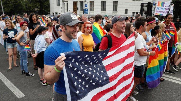"""Байден взявся виконувати гендерні """"хотілки"""" ЛГБТ про зміну статі та аборти"""