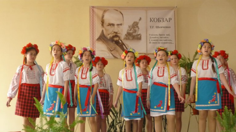 """У Башкортостані українці провели Шевченківські читання, а в Нью-Йорку лунала """"Червона рута"""""""