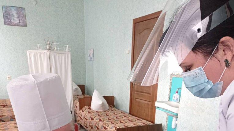 120 медичних працівників вакцинували на Полтавщині
