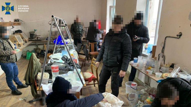 СБУ перекрили черговий канал контрабанди бурштину на 2,5 млн грн