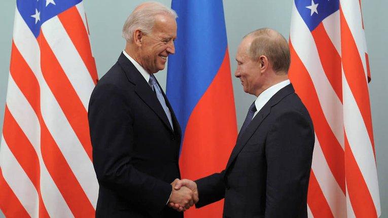 Попри войовничу риторику влада США не поспішає застосовувати санкції проти Путіна та його оточення