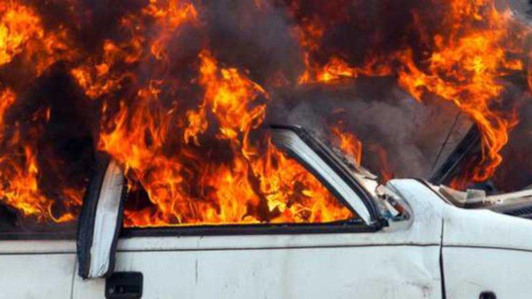 """У Херсоні спалили """"Мерседес"""" поліцейського начальника"""
