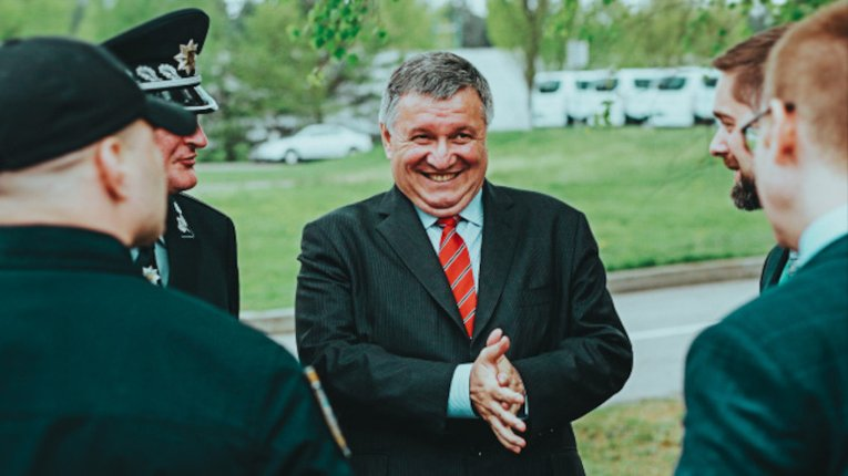 Голова Нацполіції та троє його заступників отримали матеріальної допомоги на 425 тисяч гривень