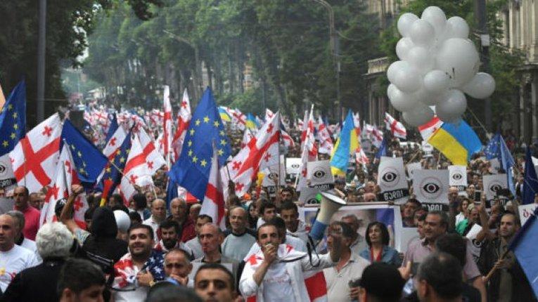 Громадяни Грузії ставляться до росіян прихильніше, ніж до українців, – результати соцопитування