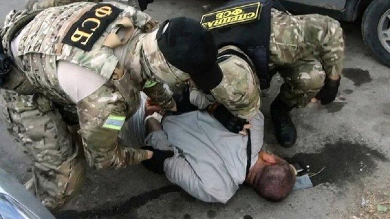 «Терористи на замовлення»: ФСБ РФ заарештувала двох татар в окупованому Криму