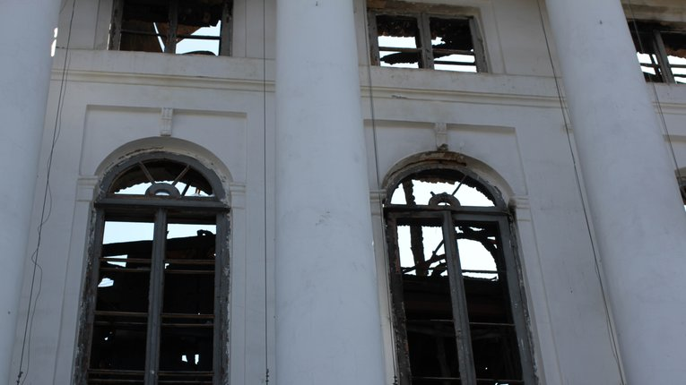Дві напівзруйновані будівлі Круглої площі Полтави віддали на баланс області
